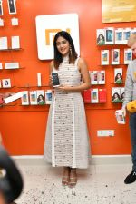 Chandini Chowdary at the launch of RedMi 6 Mobile Offline at Cellbay showroom-Gachibowli Branch on 30th Sept 2018 (14)_5bb1cf7c571c0.JPG
