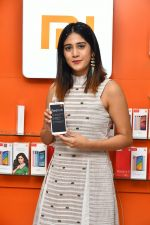 Chandini Chowdary at the launch of RedMi 6 Mobile Offline at Cellbay showroom-Gachibowli Branch on 30th Sept 2018 (18)_5bb1cf833c213.JPG