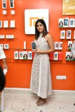 Chandini Chowdary at the launch of RedMi 6 Mobile Offline at Cellbay showroom-Gachibowli Branch on 30th Sept 2018 (20)_5bb1cf869878e.JPG