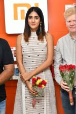 Chandini Chowdary at the launch of RedMi 6 Mobile Offline at Cellbay showroom-Gachibowli Branch on 30th Sept 2018 (6)_5bb1cf6d62d5b.JPG