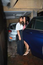 Ileana D_cruz with husband spotted at bandra on 30th Sept 2018 (7)_5bb1c77eb3af3.JPG