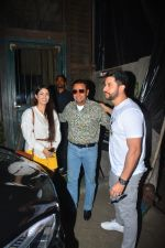 Aftab Shivdasani with wife Nin Dusjan & Gulshan Grover Spotted at a restaurant in bandra on 2nd Oct 2018 (7)_5bb46846726ad.JPG