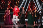 Ajay Devgan, Kajol on the sets of Indian Idol 10 at Yashraj studios in Andheri on 2nd Oct 2018 (19)_5bb46c054047d.JPG