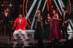 Ajay Devgan, Kajol on the sets of Indian Idol 10 at Yashraj studios in Andheri on 2nd Oct 2018 (23)_5bb46c0aee767.JPG