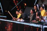Ajay Devgan, Kajol on the sets of Indian Idol 10 at Yashraj studios in Andheri on 2nd Oct 2018 (37)_5bb46c1c7861b.JPG