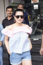 Ameesha Patel Spotted At Riders Cycle Store In Andheri on 3rd Oct 2018 (10)_5bb5a953611d1.JPG