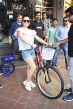 Ameesha Patel Spotted At Riders Cycle Store In Andheri on 3rd Oct 2018 (14)_5bb5a95a837db.JPG