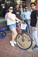 Ameesha Patel Spotted At Riders Cycle Store In Andheri on 3rd Oct 2018 (16)_5bb5a95edb50f.JPG