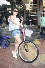 Ameesha Patel Spotted At Riders Cycle Store In Andheri on 3rd Oct 2018 (21)_5bb5a9672996e.JPG