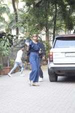 Anushka Sharma Spotted At Anand Rai_s Office on 3rd Oct 2018 (26)_5bb5a97a14c6e.JPG