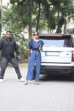 Anushka Sharma Spotted At Anand Rai_s Office on 3rd Oct 2018 (27)_5bb5a97b8ae96.JPG