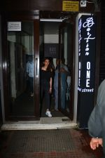 Aditi Rao hydari spotted at Bastian Bandra on 9th Oct 2018 (2)_5bbf0345651b7.JPG