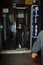 Aditi Rao hydari spotted at Bastian Bandra on 9th Oct 2018 (3)_5bbf03474ac2f.JPG