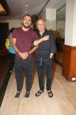 Mahesh Bhatt, Pushpdeep Bhardwaj at Media interactions for the film Jalebi at Raheja Classic club andheri on 8th Oct 2018 (2)_5bbefe9b55527.jpg