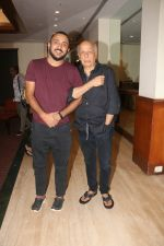 Mahesh Bhatt, Pushpdeep Bhardwaj at Media interactions for the film Jalebi at Raheja Classic club andheri on 8th Oct 2018 (3)_5bbefe9e0a7ed.jpg