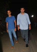 Siddharth Roy Kapoor at Aamir Khan_s house in bandra on 8th Oct 2018 (7)_5bbefe3201b6a.jpg