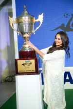Sonakshi Sinha at the launch of india_s largest corporate football tournament Legends Cup in Tote racecourse on 9th Oct 2018 (15)_5bbf047268a60.jpg