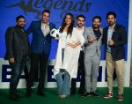 Sonakshi Sinha, Rannvijay Singh at the launch of india_s largest corporate football tournament Legends Cup in Tote racecourse on 9th Oct 2018 (20)_5bbf041d1f37f.jpg