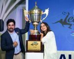 Sonakshi Sinha, Rannvijay Singh at the launch of india_s largest corporate football tournament Legends Cup in Tote racecourse on 9th Oct 2018 (21)_5bbf041e651b2.jpg