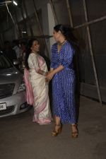 Asha Bhosle, Kajol at the screening of film Helicopter Eela at sunny sound juhu on 11th Oct 2018 (27)_5bc0bc188bad8.JPG