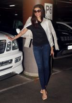 Sushmita Sen spotted at airport as they leave for the shoot of Simba on 11th Oct 2018 (1)_5bc0c163d427e.JPG