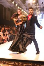 Manish Paul at BT Fashion Week in Mumbai on 12th Oct 2018 (13)_5bc1a4ce47873.JPG
