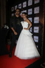 Mouni Roy at BT Fashion Week in Mumbai on 12th Oct 2018 (81)_5bc1a441d175e.JPG