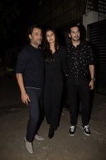 Abhishek Kapoor, Dino Morea at Zoya Akhtar_s birthday party in bandra on 14th Oct 2018 (111)_5bc4428e7a40d.JPG