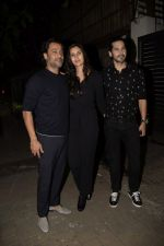 Abhishek Kapoor, Dino Morea at Zoya Akhtar_s birthday party in bandra on 14th Oct 2018 (112)_5bc4428fd135b.JPG