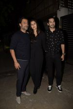 Abhishek Kapoor, Dino Morea at Zoya Akhtar_s birthday party in bandra on 14th Oct 2018 (113)_5bc442b48c5ae.JPG