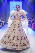 Model walk the ramp for Pallavi Madhesia Yadav at BTFW 2018 on 14th Oct 2018 (1)_5bc43de7f14fa.jpg