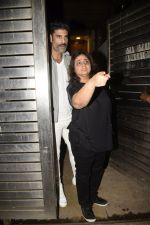 Sikander Kher at Zoya Akhtar_s birthday party in bandra on 14th Oct 2018 (201)_5bc443786a5cc.JPG