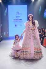 Vartika Singh walk the ramp for Pallavi Madhesia Yadav at BTFW 2018 on 14th Oct 2018 (13)_5bc43e87246f8.jpg