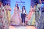 Vartika Singh walk the ramp for Pallavi Madhesia Yadav at BTFW 2018 on 14th Oct 2018 (16)_5bc43e9143118.jpg