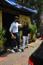Aayushman Khurana & Wife Tahira Spotted At Farmer_s Cafe In Bandra on 16th Oct 2018 (2)_5bc6ece282147.JPG