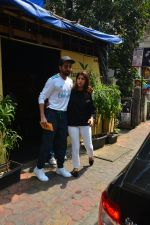 Aayushman Khurana & Wife Tahira Spotted At Farmer_s Cafe In Bandra on 16th Oct 2018 (3)_5bc6ece46330c.JPG