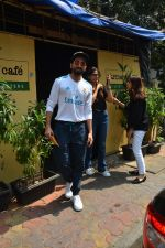 Aayushman Khurana & Wife Tahira Spotted At Farmer_s Cafe In Bandra on 16th Oct 2018 (7)_5bc6ecec12360.JPG