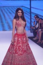 Disha Patani Walk The Ramp As ShowStopper For Designer Kalki Fashion at BTFW on 15th Oct 2018 (49)_5bc6ed9aecdfa.JPG