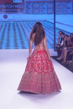 Disha Patani Walk The Ramp As ShowStopper For Designer Kalki Fashion at BTFW on 15th Oct 2018 (55)_5bc6eda445a4e.JPG