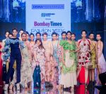 Kalki Koechlin Walk The Ramp As ShowStopper For Designer Delna Poonawala at BTFW on 15th Oct 2018  (10)_5bc6ee2f442f0.jpg