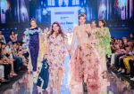 Kalki Koechlin Walk The Ramp As ShowStopper For Designer Delna Poonawala at BTFW on 15th Oct 2018  (6)_5bc6ee2560308.jpg