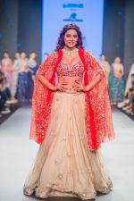 Shriya Saran walk the ramp at Bombay Times Fashion Week (BTFW) 2018 Day 2 for Ashwini Reddy Show on 16th Oct 2018 (28)_5bc6db947b7fa.jpg