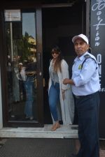 Ileana Dcruz Spotted At Bastian Bandra on 17th Oct 2018 (2)_5bc892618ce79.JPG