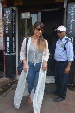 Ileana Dcruz Spotted At Bastian Bandra on 17th Oct 2018 (8)_5bc8926d400eb.JPG