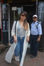 Ileana Dcruz Spotted At Bastian Bandra on 17th Oct 2018 (9)_5bc8926f1ba18.JPG