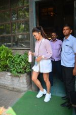 Jacqueline Fernandez Spotted At Palli Village Cafe In Bandra on 17th Oct 2018 (9)_5bc834b22a0df.JPG