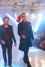 Akshay Kumar walk the ramp during the Exhibit Tech Fashion tour in jw marriott juhu on 18th Oct 2018