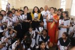 Madhushree & Proudcer Aparna S at Nityanand BMC School- Dussehra Film Promotion on 19th Oct 2018 (148)_5bcd847114050.JPG