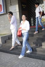 Ragini Khanna Spotted At Pvr Ecx In Andheri on 19th Oct 2018 (3)_5bcd849fabbee.JPG