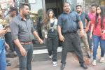 Suhana Khan Spotted At Bastian Bandra on 20th Oct 2018 (8)_5bcd920e56650.JPG